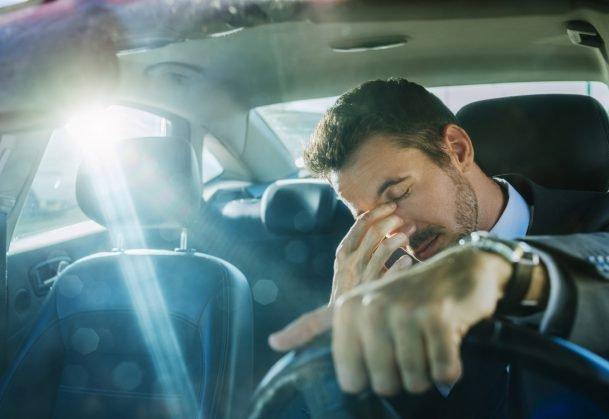 Ảo giác xe đi lùi và cách giải quyết cho tài xế