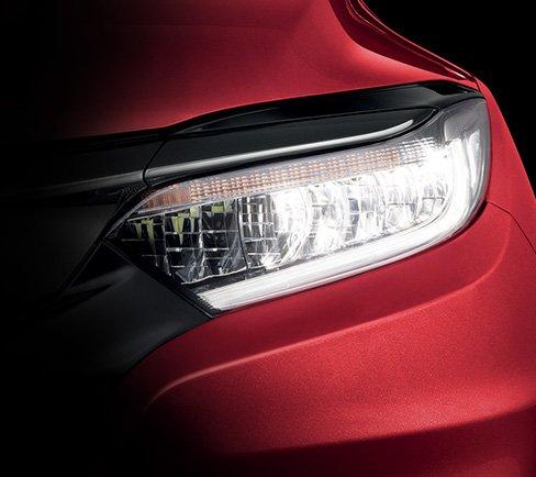 Đánh giá xe Honda HR-V 2018: Cụm đèn phan LED 1
