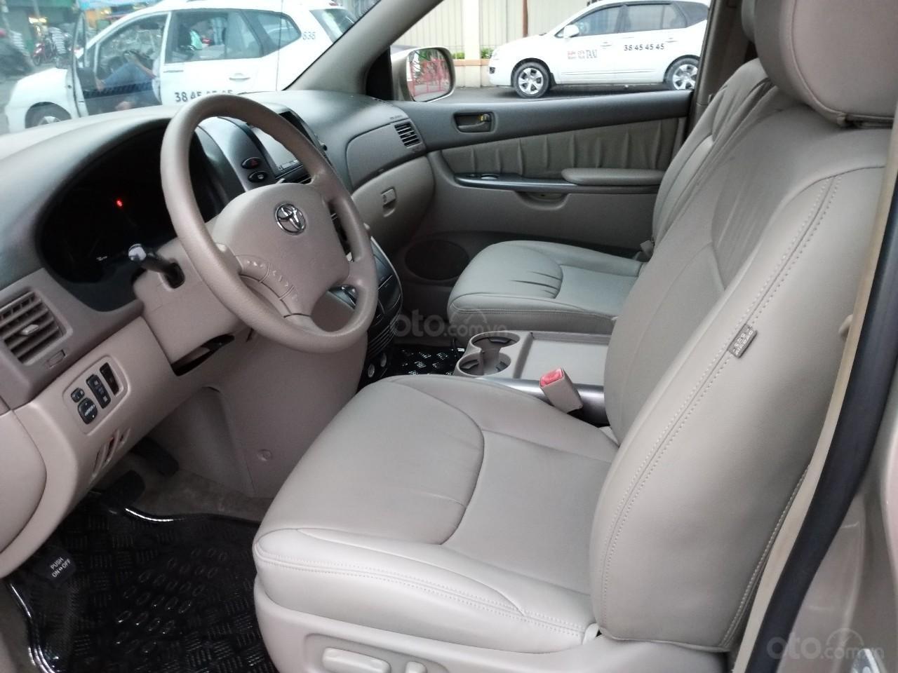 Bán Toyota Sienna LE 2008, màu vàng, nhập khẩu còn rất mới, 685 tr-10
