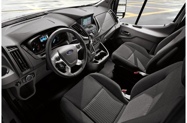 Nội thất Ford Transit 2