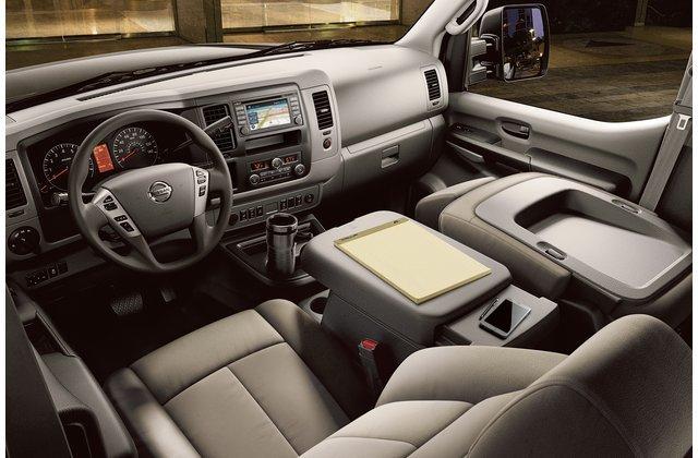 Nội thất Nissan NV