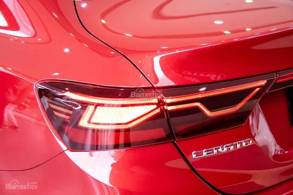 Đèn hậu xe Kia Cerato 2019 màu đỏ