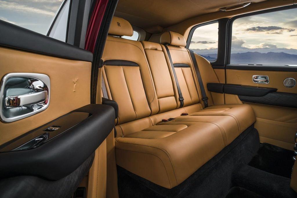 Cuối cùng Rolls-Royce Cullinan giá hơn 2 triệu USD đã về Việt Nam a8