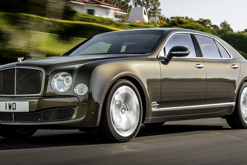 """Khám phá 10 logo trên mui xe ấn tượng nhất toàn cầu - Bentley """"Flying B"""" 1."""