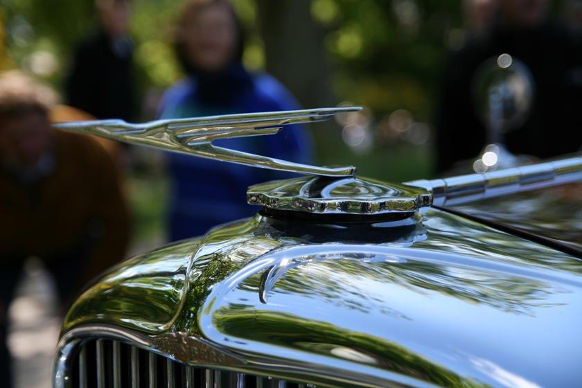 Khám phá 10 logo trên mui xe ấn tượng nhất toàn cầu-Duesenberg Model J 1929.