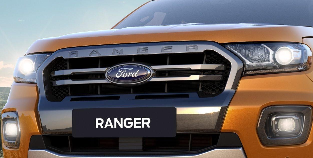 Đầu xe Ford Ranger Wildtrak 2019: Lưới tản nhiệt.