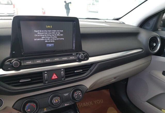 Màn hình giải trí cảm ứng trên xe Kia Cerato 2019