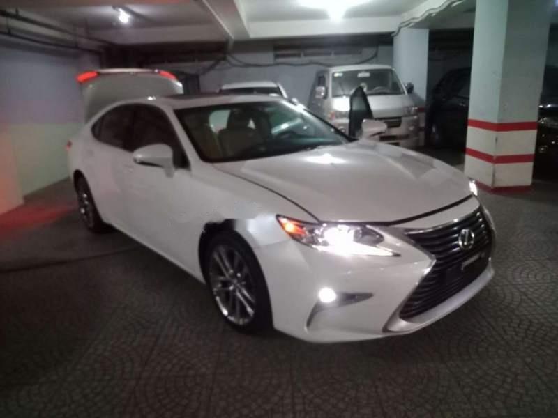 Cần bán gấp Lexus ES 250 đời 2017, màu trắng, còn mới 95%-0
