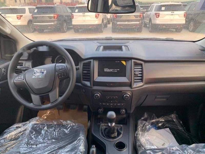 Cần bán Ford Everest 2018, màu trắng, xe nhập -2