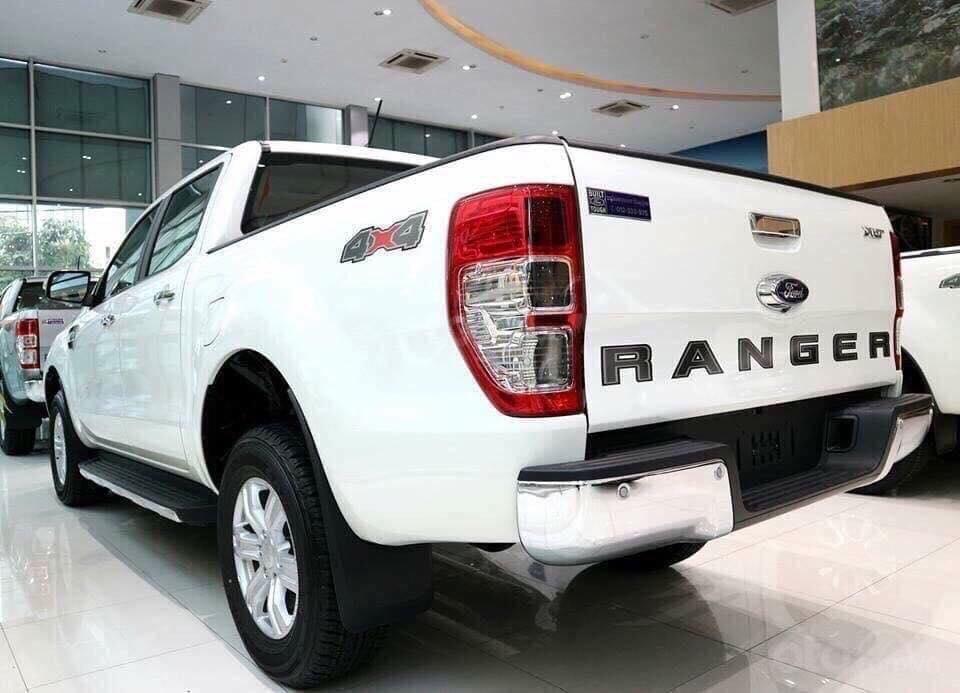 Ford Ranger XLS, XL, XLT 2.2L mới, có xe giao ngay, tặng nắp, lót, kính, sàn, cam, hỗ trợ trả góp 90%, LH 0911.777.866-1