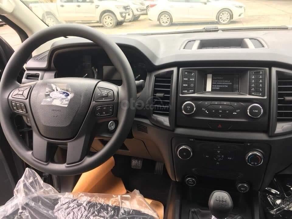Ford Ranger XLS, XL, XLT 2.2L mới, có xe giao ngay, tặng nắp, lót, kính, sàn, cam, hỗ trợ trả góp 90%, LH 0911.777.866-4