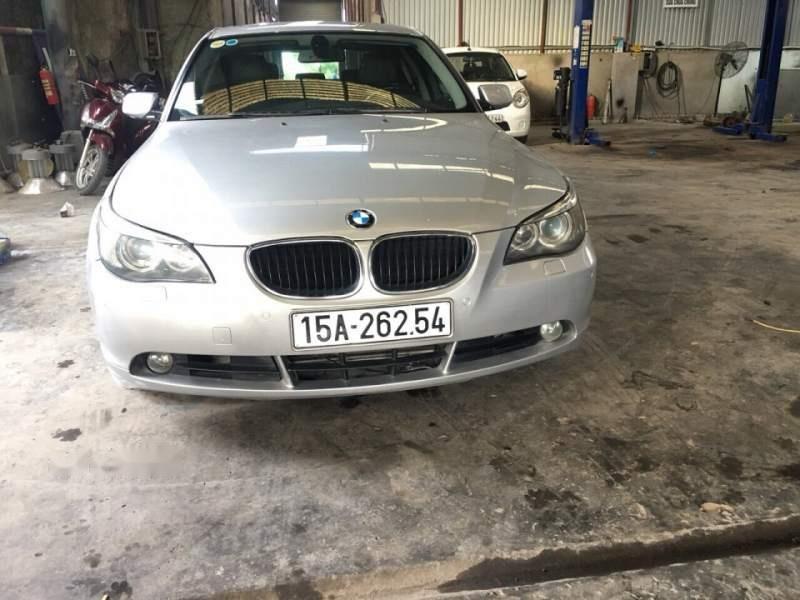 Bán xe BMW 5 Series 530i năm sản xuất 2004, màu bạc, xe nhập, 400tr (1)