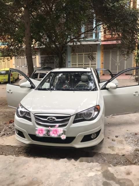 Xe Hyundai Avante đời 2011, màu trắng còn mới, giá 360tr (1)