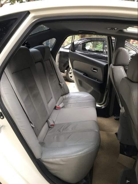 Xe Hyundai Avante đời 2011, màu trắng còn mới, giá 360tr (4)