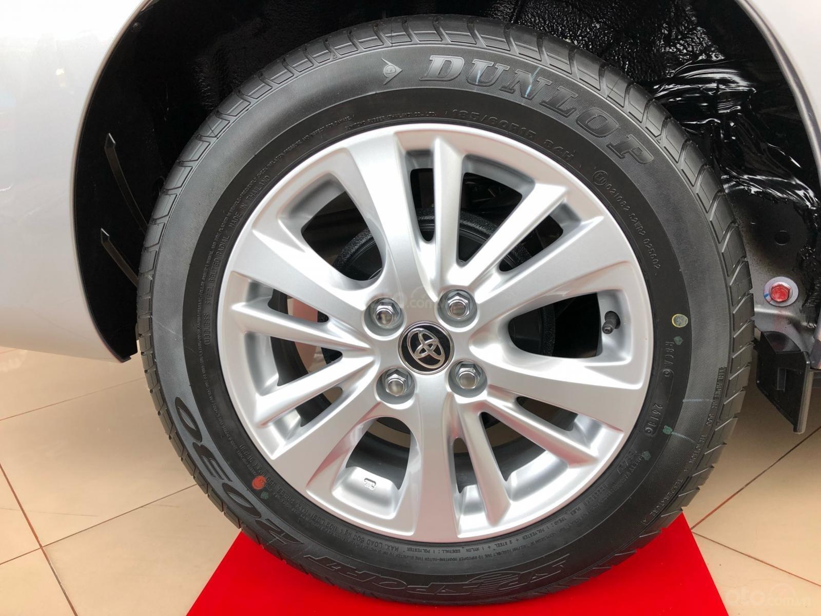 Bán Toyota Vios E đời 2019, màu bạc, nhận xe ngay-4