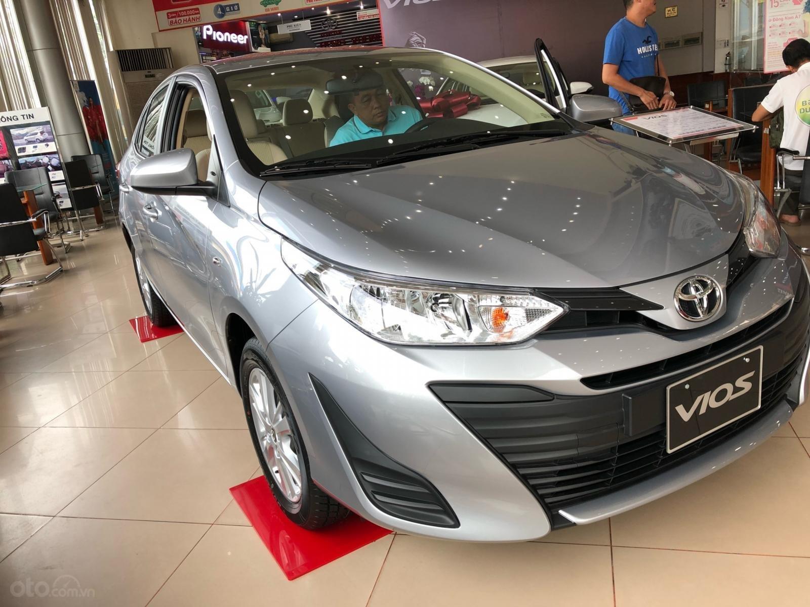 Bán Toyota Vios E đời 2019, màu bạc, nhận xe ngay-7