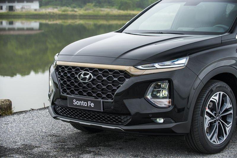 Giá lăn bánh xe Hyundai Santa Fe 2019 cao nhất hơn 1,4 tỷ đồng - Ảnh 9.