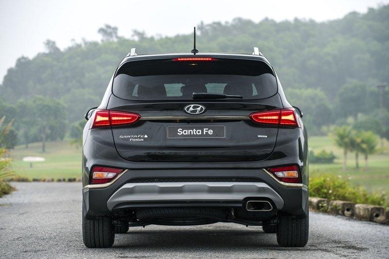 Giá lăn bánh xe Hyundai Santa Fe 2019 cao nhất hơn 1,4 tỷ đồng - Ảnh 4.