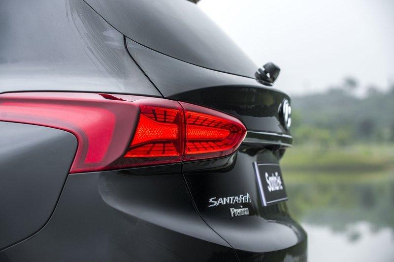 Giá lăn bánh xe Hyundai Santa Fe 2019 cao nhất hơn 1,4 tỷ đồng - Ảnh 7.