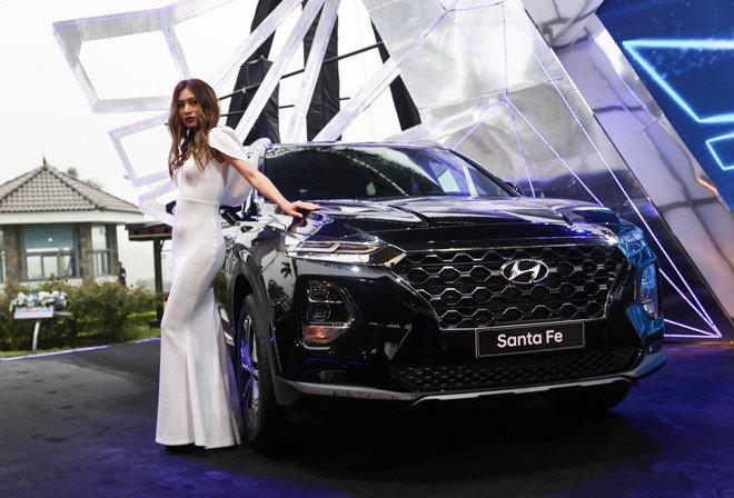 """Hyundai Santa Fe 2019 chính thức ra mắt, giá """"mềm"""" đáng kỳ vọng a8"""
