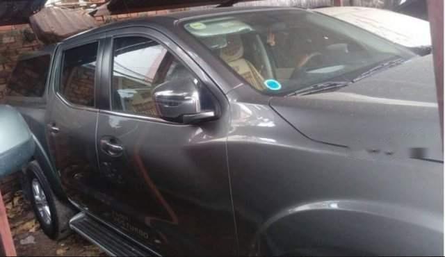 Bán Nissan Navara đời 2017, màu xám, số tự động-1