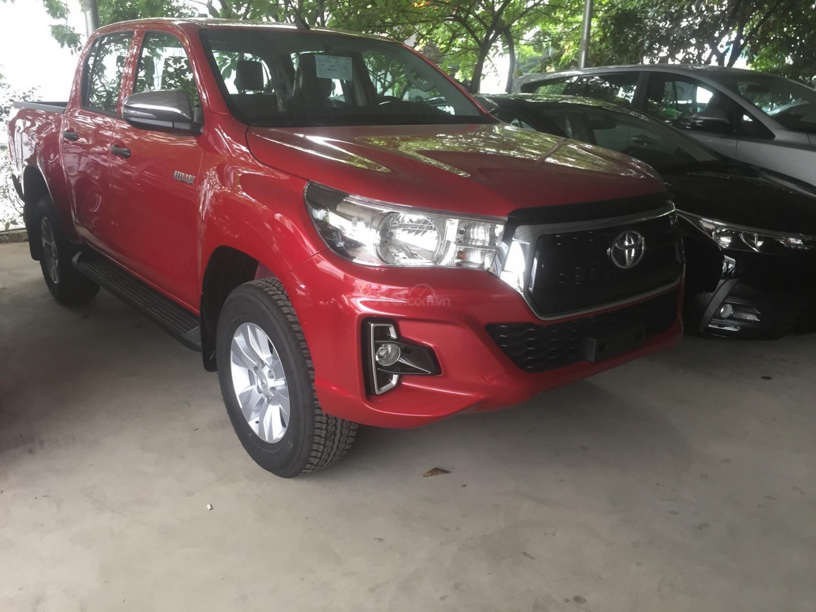 Toyota Hilux 2.4E 4x2AT sản xuất năm 2019, nhập khẩu nguyên chiếc, giao xe ngay (3)