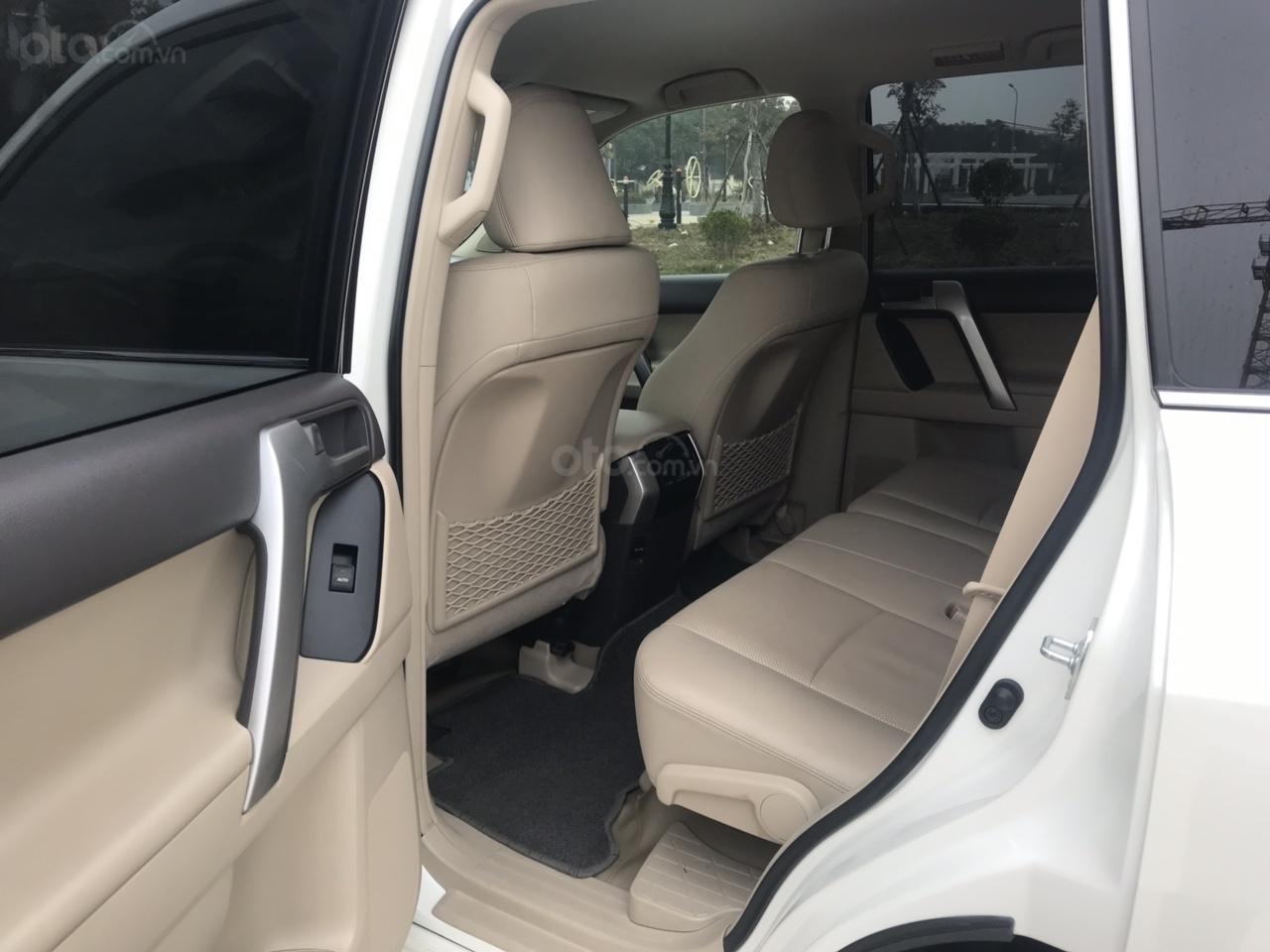 Cần bán xe Toyota Prado đời 2018, màu trắng, xe siêu lướt thơm mùi mới - Liên hệ: 094-711-6996 Mr Thanh-1