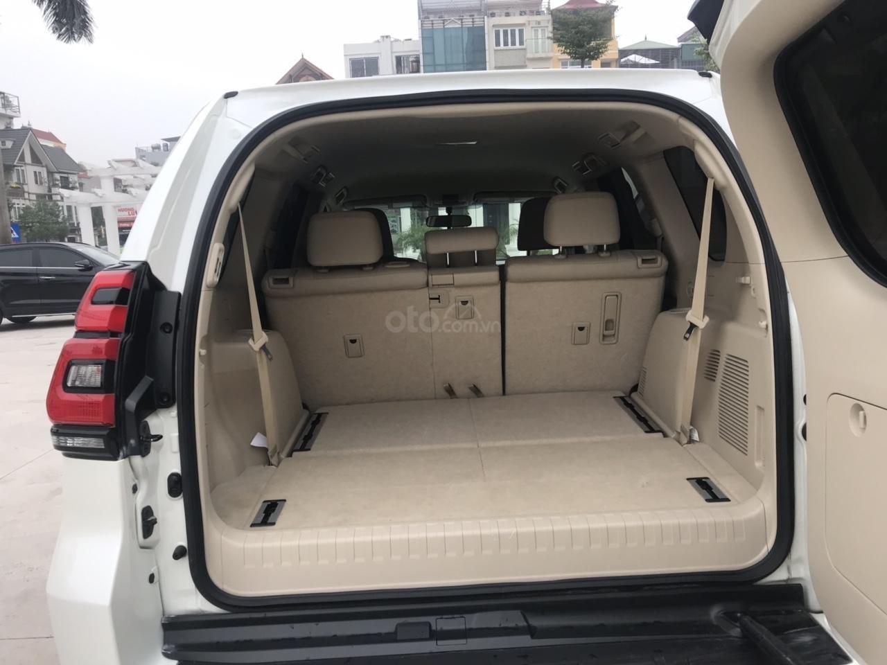 Cần bán xe Toyota Prado đời 2018, màu trắng, xe siêu lướt thơm mùi mới - Liên hệ: 094-711-6996 Mr Thanh-4