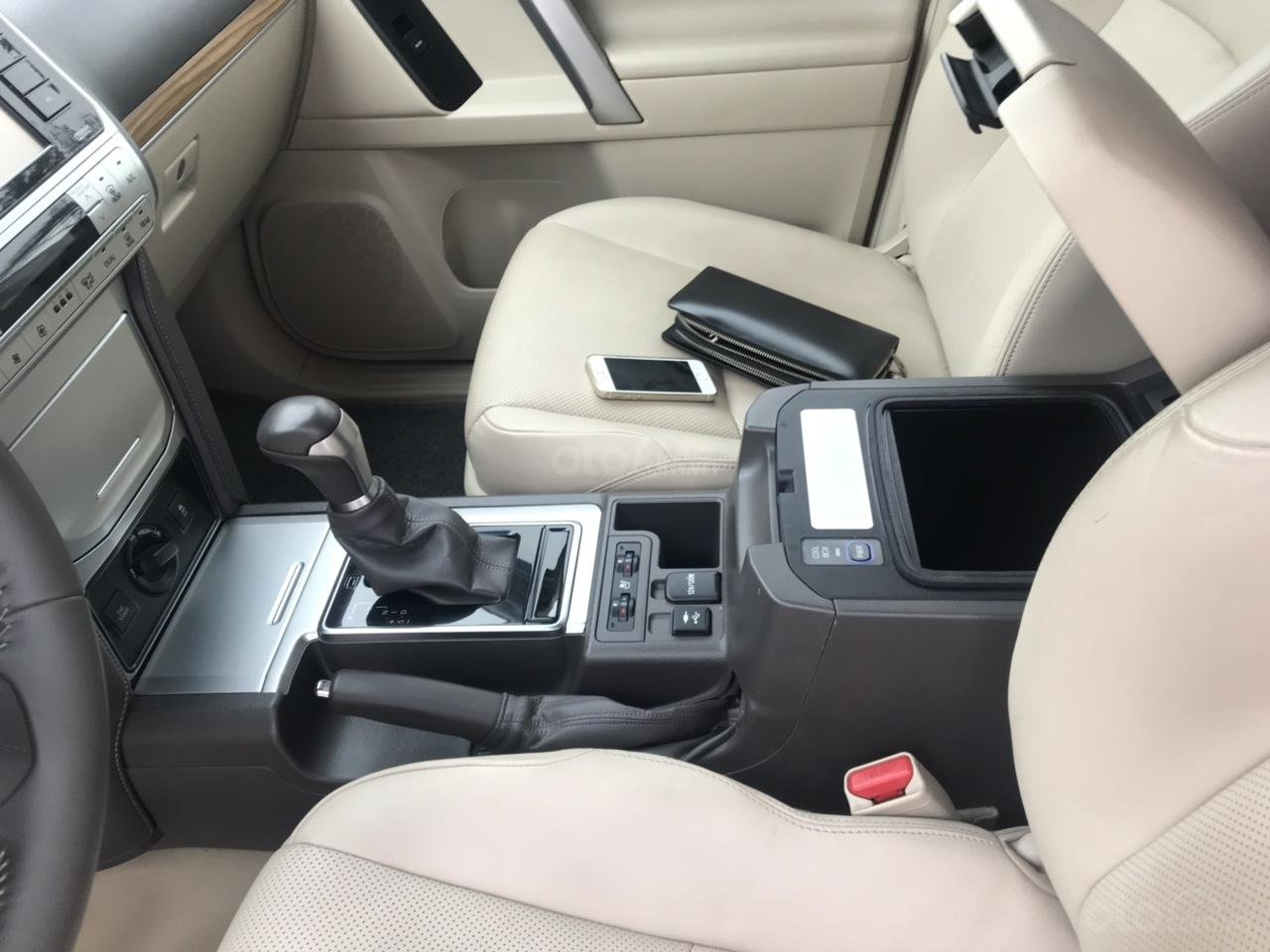 Cần bán xe Toyota Prado đời 2018, màu trắng, xe siêu lướt thơm mùi mới - Liên hệ: 094-711-6996 Mr Thanh-3