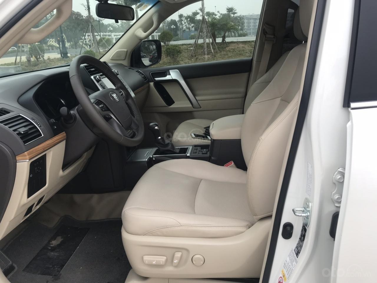 Cần bán xe Toyota Prado đời 2018, màu trắng, xe siêu lướt thơm mùi mới - Liên hệ: 094-711-6996 Mr Thanh-5