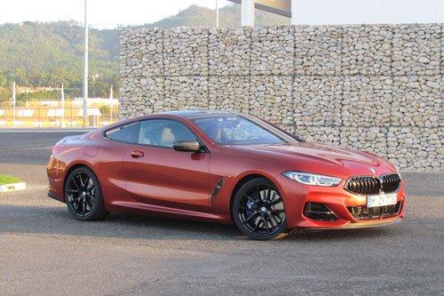 Top 10 mẫu xe đáng mua nhất năm 2019:BMW M850i xDrive.