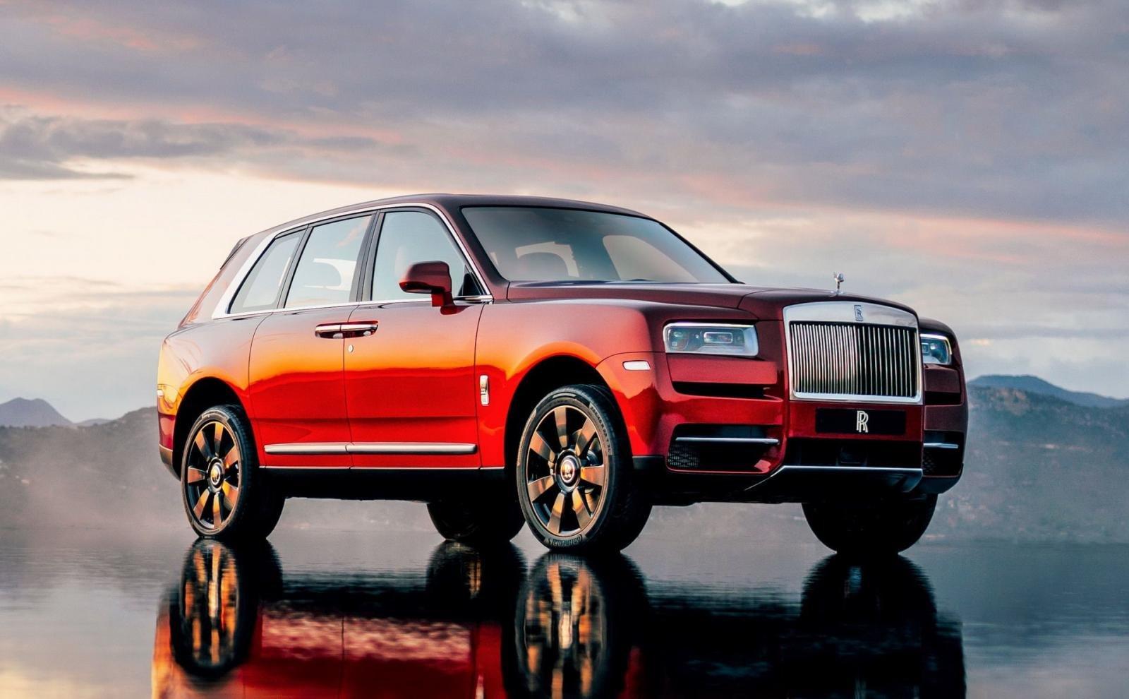 Top 10 mẫu xe đáng mua nhất năm 2019:Rolls-Royce Cullinan.