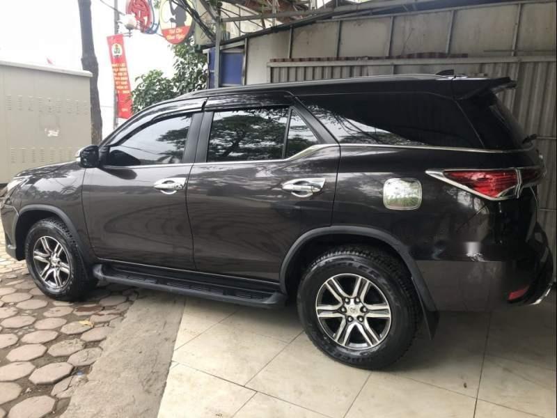 Cần bán xe Toyota Fortuner MT năm 2017, màu đen, nhập khẩu nguyên chiếc -1