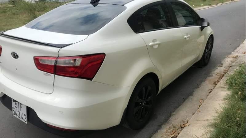 Cần bán Kia Rio năm 2015, màu trắng, nhập khẩu nguyên chiếc-1