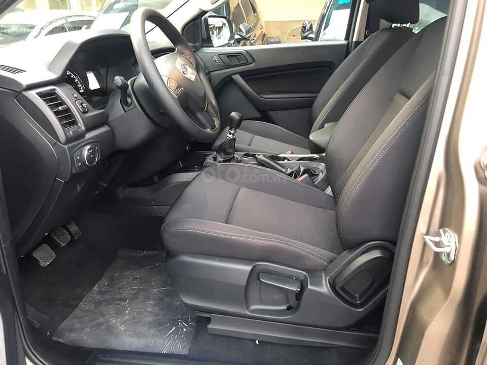 Ford Everest Ambient 2.0L AT 7 chỗ, giá ưu đãi kèm quà tặng, trả góp lãi suất thấp-9