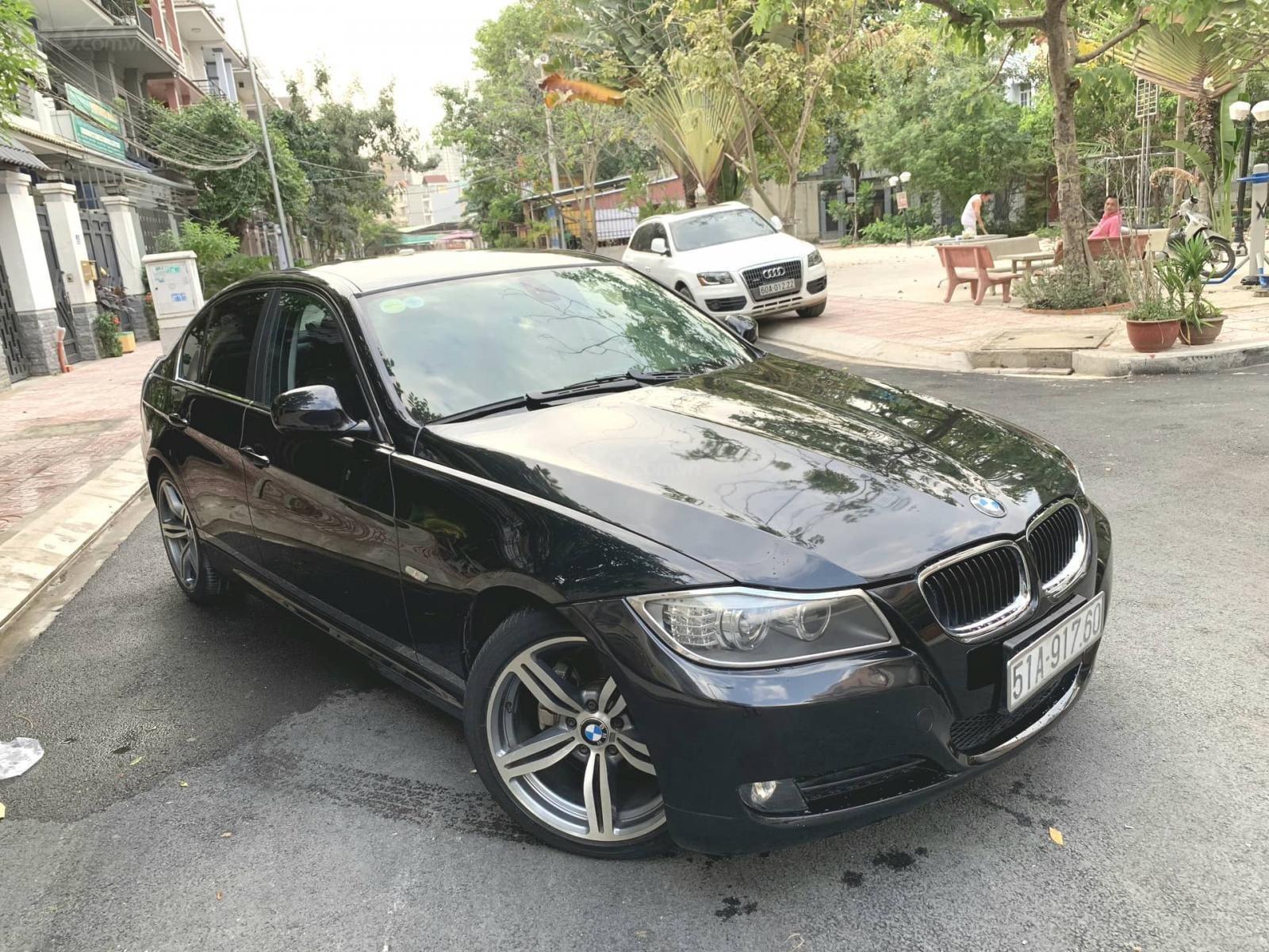 Cần bán xe BMW 3 Series 320i sản xuất 2009, màu đen, nhập khẩu nguyên chiếc-2