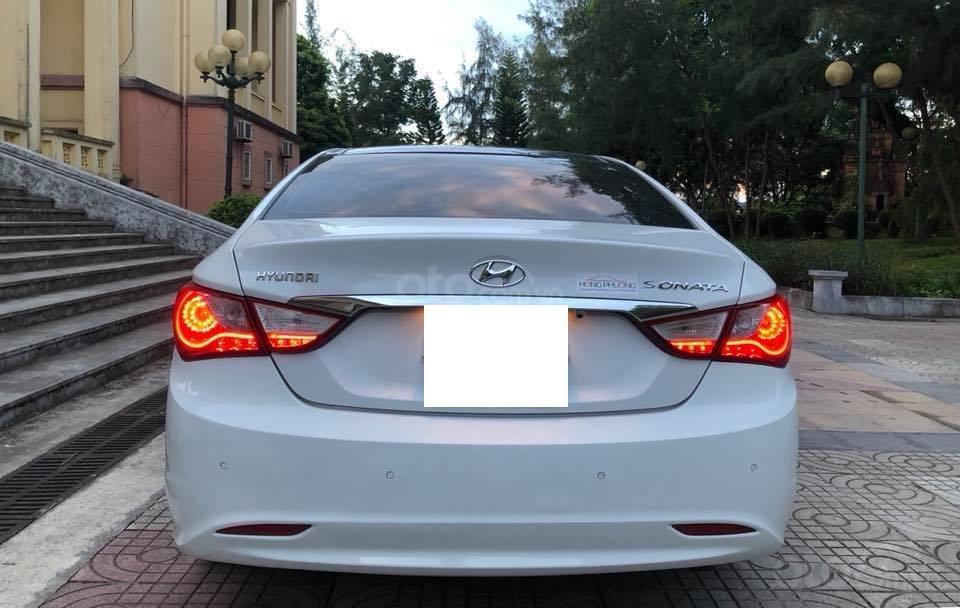 Bán xe Hyundai Sonata 2011 tự động, màu trắng, bản full-4