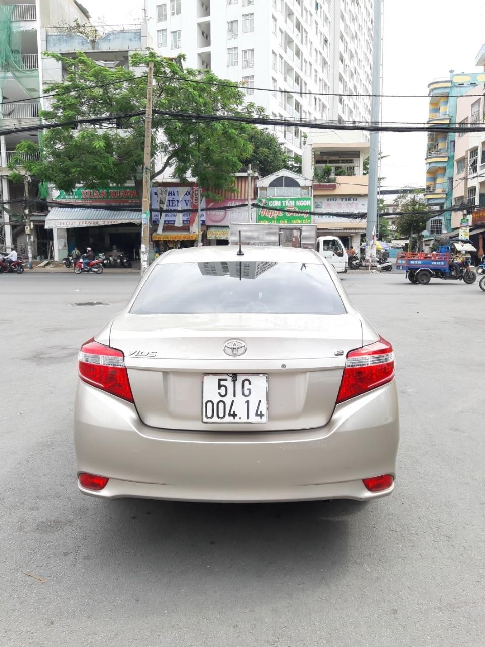 Bán xe Toyota Vios E model 2017, màu kem, nhập khẩu còn rất mới, giá 520tr-2