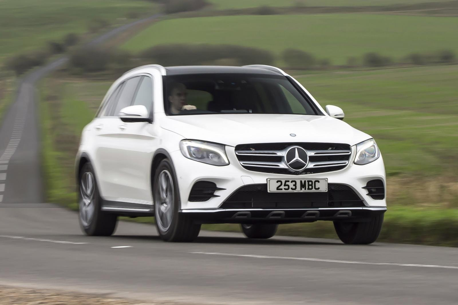 Đây là 10 mẫu xe Mercedes-Benz phiên bản 2019 đáng sở hữu nhất- Mercedes-Benz GLC 250 d 4MATIC Coupe 2019