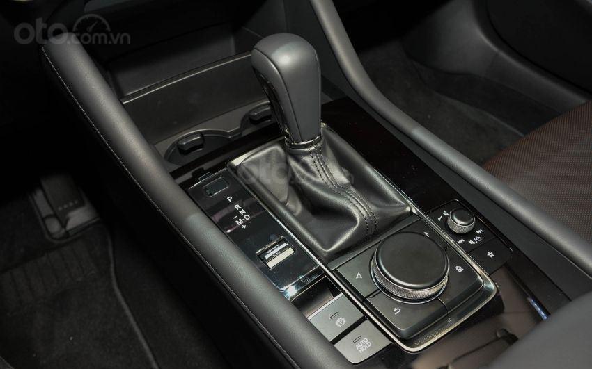 Khu vực cần số của Mazda 3 2019 mới