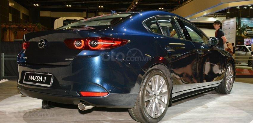 Đuôi xe Mazda 3 2019