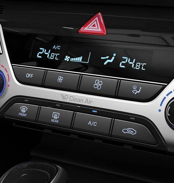 Đánh giá xe Hyundai Elantra Sport 2018: Hệ thống điều hòa tự động 2 vùng độc lập tích hợp chức năng lọc không khí 1
