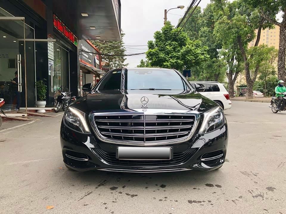 Cần bán Mercedes S400 đời 2018, màu đen xe gia đình-0
