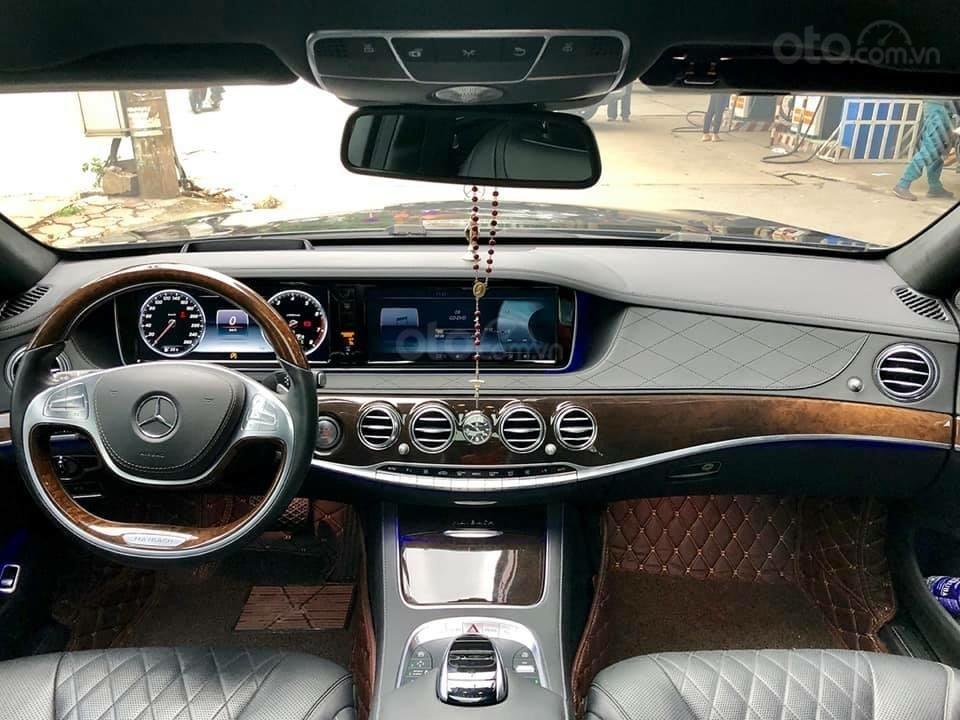 Cần bán Mercedes S400 đời 2018, màu đen xe gia đình-3