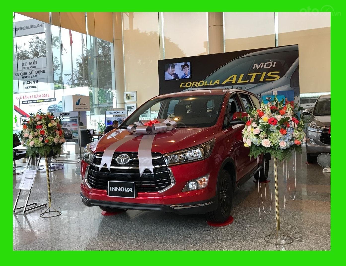 """Toyota Tân Cảng- Ưu đãi xe Innova 2.0 Venturer """"Duy nhất trong tuần giảm 30tr tiền mặt, tặng thêm phụ kiện""""-0933000600-0"""
