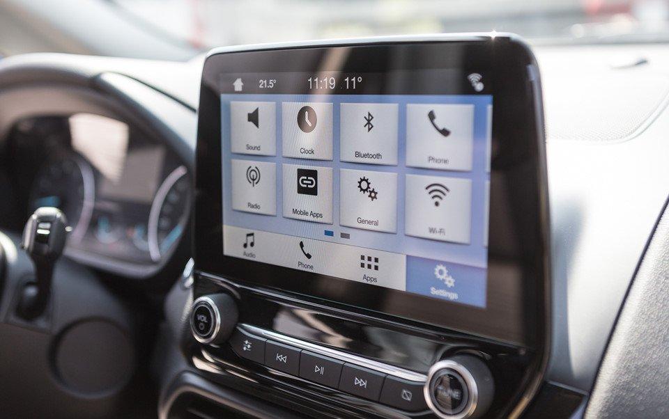 Đánh giá xe Ford Ecosport 2018: Xe được trang bị nhiều tiện ích hiện đại.