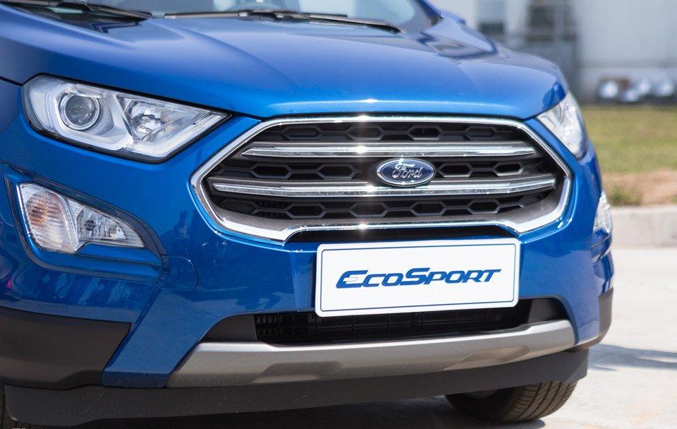 Đánh giá xe Ford Ecosport 2018: Lưới tản nhiệt với thanh nan chắc khỏe.