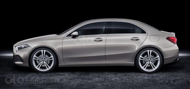 So sánh nhanh Mercedes-Benz CLA-Class mới và cũ và A-Class - ảnh 6