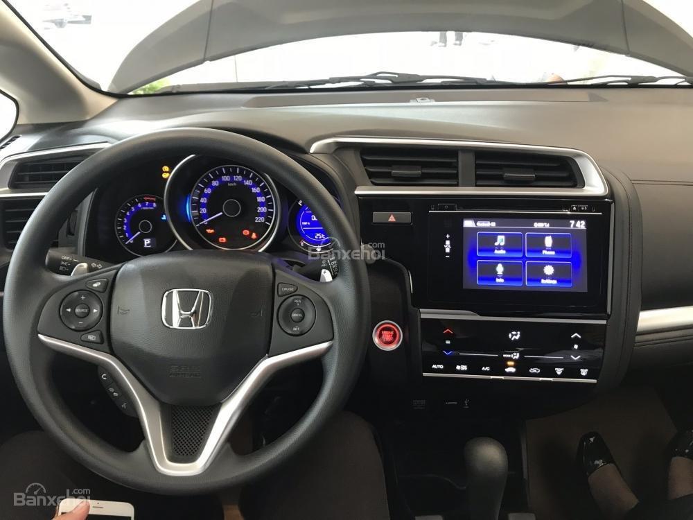 Ảnh chụp màn hình xe Honda Jazz 2018