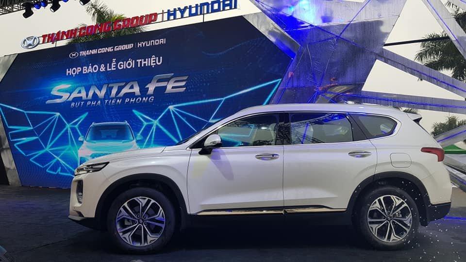 Giá xe Hyundai Santa Fe 2020 mới nhất tại Việt Nam a3